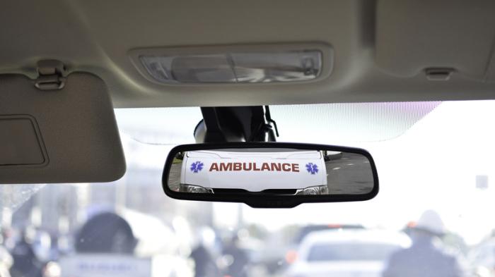 Почему иностранцы пишут название «Скорая помощь» на своих машинах задом наперёд