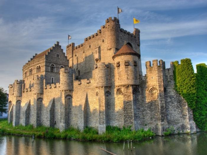 Замок - это все не просто так. |Фото: yandex.by.