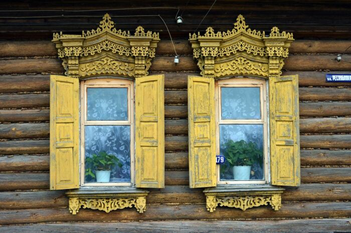По инерции ставни делали до середины прошлого века. |Фото: livejournal.com.