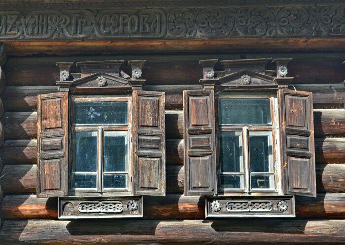 Долгое время не было стекла. |Фото: photofeast.ru.