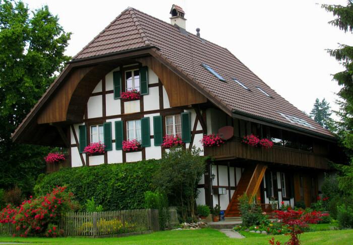 Сегодня ставни больше декоративный элемент. |Фото: fishki.net.