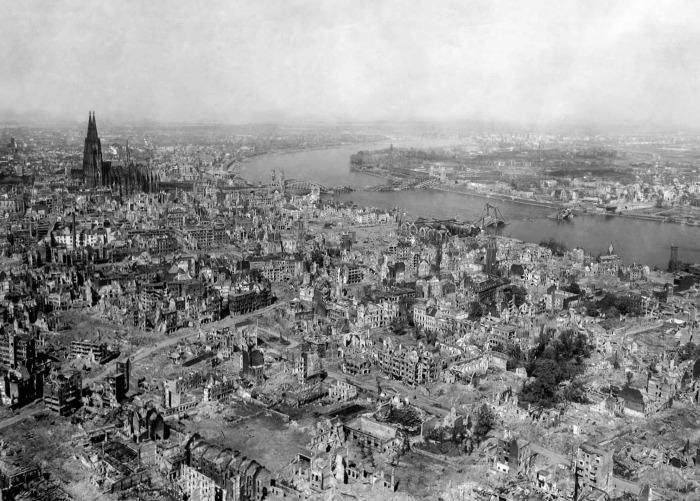 Бомбардировки разрушали промышленность и инфраструктуру Рейха. ¦Фото: historycollection.com.