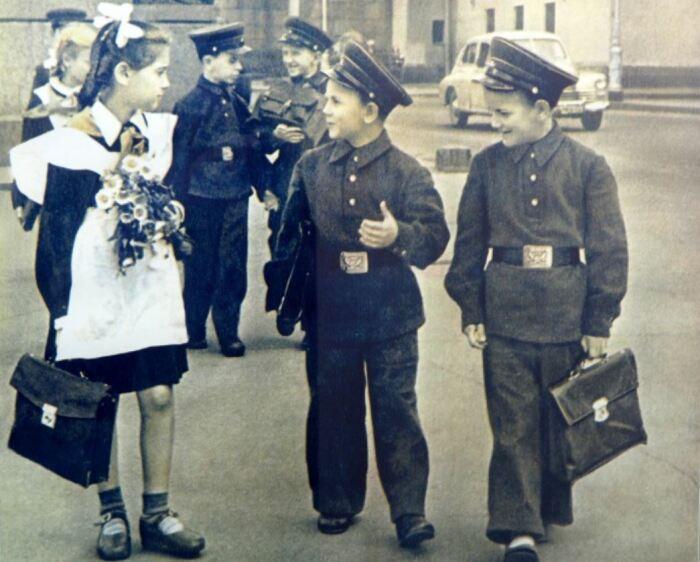 В 1948 году была вот такая форма.  Фото: riavrn.ru.