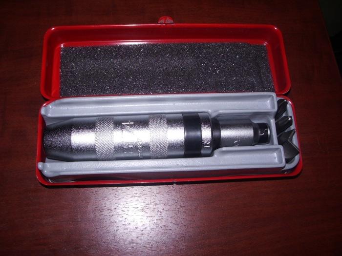 Поможет ударная отвертка. |Фото: drive2.com.