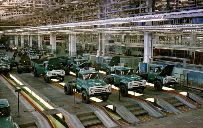 Великая держава грузовиков. |Фото: Twitter.
