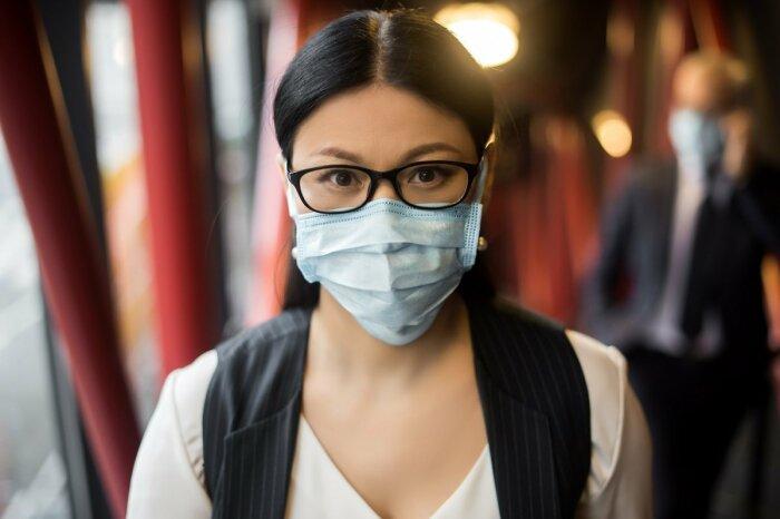 Долго так маску не поносишь. |Фото: ofhoreca.ru.