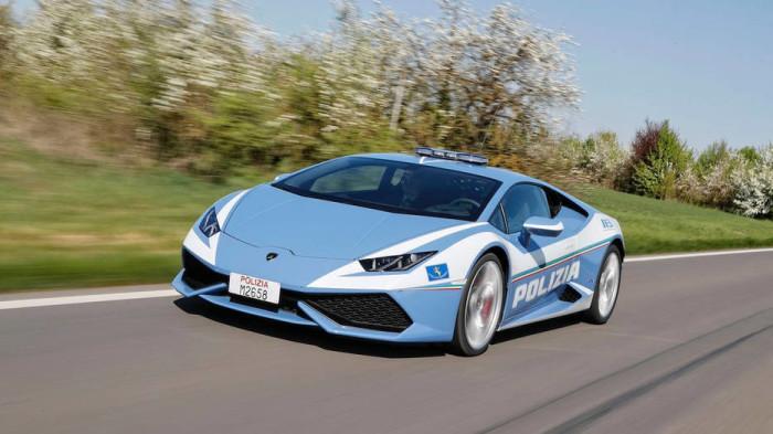 Какой итальянец не любит быстрой езды. |Фото:  Autoweek.com.
