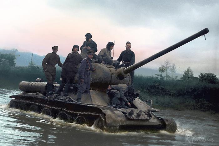 Советские танки красили в зеленый. | Фото: zagge.ru.