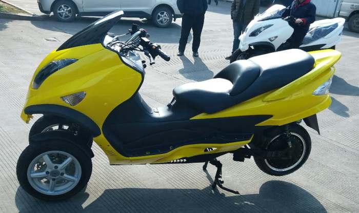Новый скутер для города.