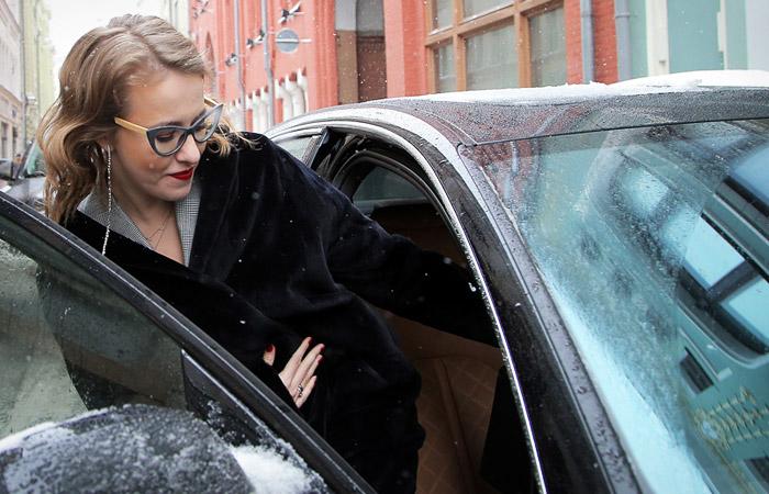 Какие авто выбирают звездные женщины России.