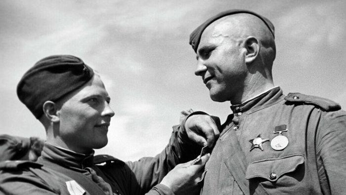 Награды для солдат имеют большое значение. |Фото: yandex.by.