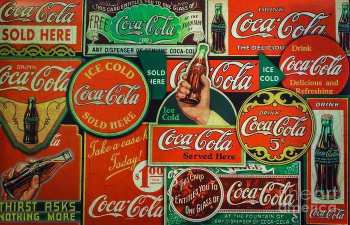 Удивительный факт о Coca-Cola: компания выпускает 3900 видов напитка.