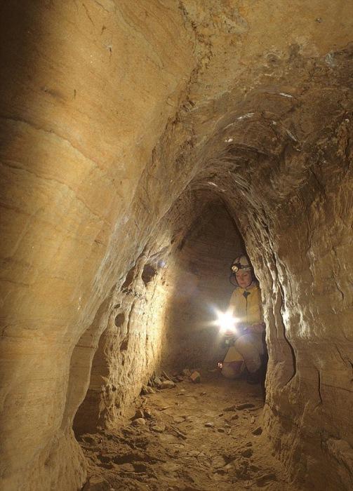 Туннели каменного века.