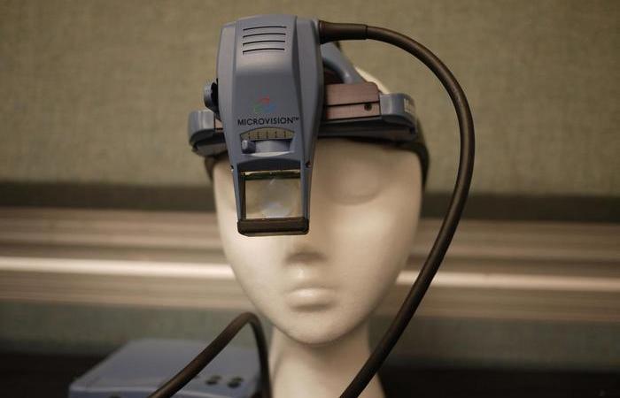 Так выглядели очки виртуальной реальности, созданные в 1960-х.