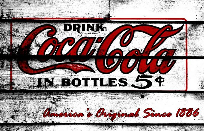 Удивительный факт о Coca-Cola: в состав входит сильная кислота.