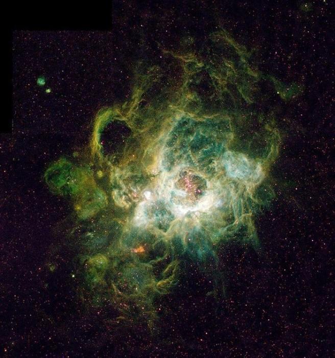 Туманность NGC 604.