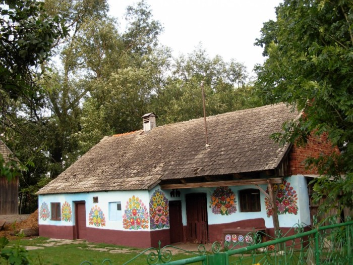 Разрисованный домик.