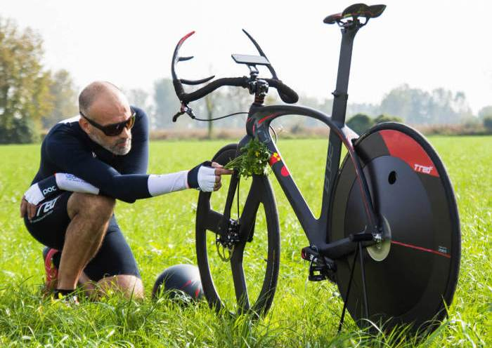 Велосипед, который разгоняется до 30 км\ч за три нажатия на педали.