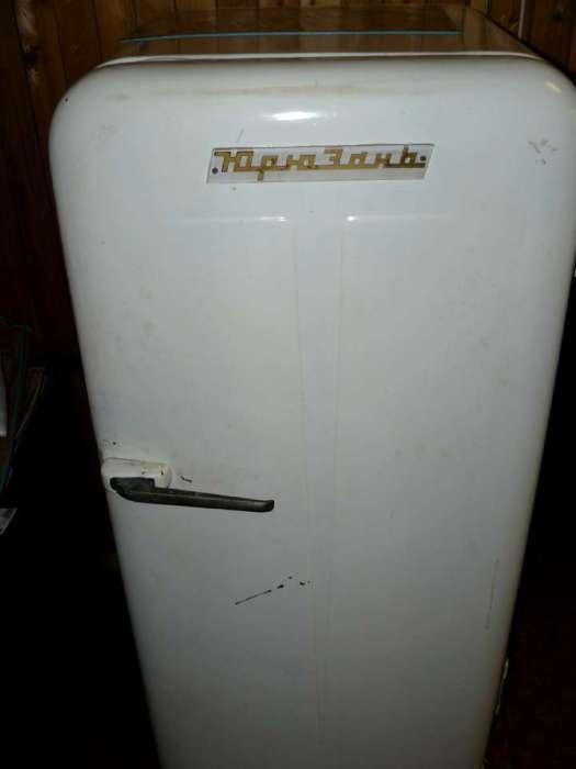 Советский холодильник.