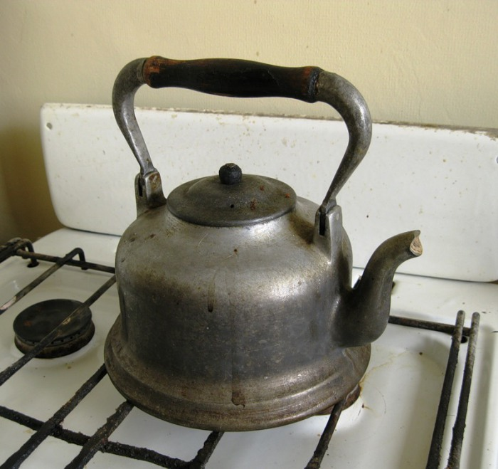 Просто старый чайник.