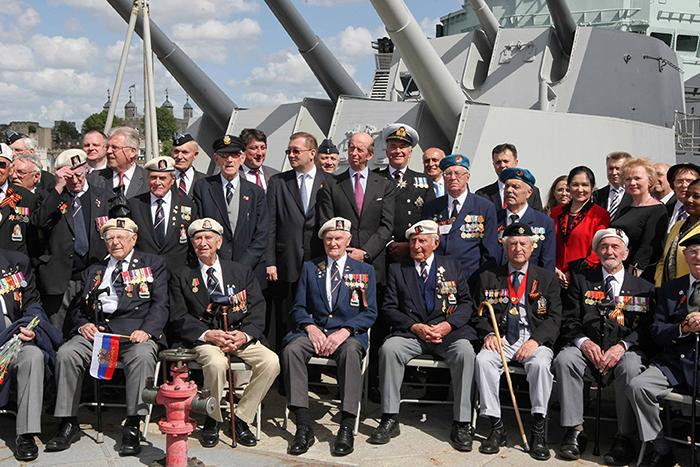 Прием для ветеранов на крейсере «Белфаст».