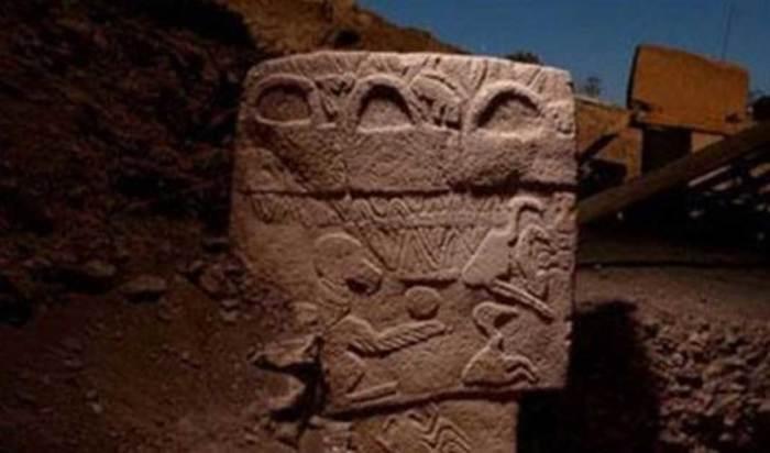 Каменные рельефы, найденные в храме Гёбекли Тепе.
