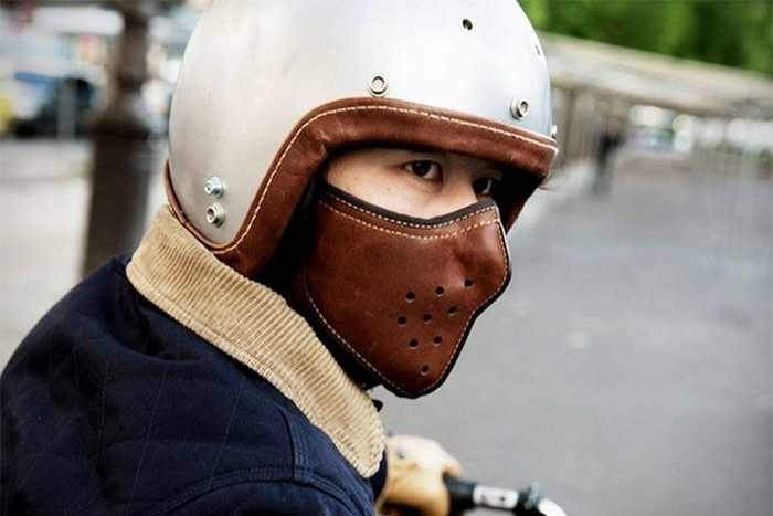 Slim Leather Motorcycle Mask - удобная альтернатива мотоциклетному шлему.