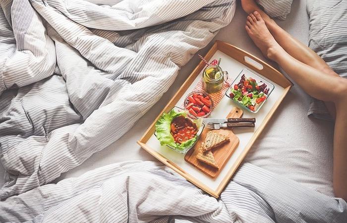 Здоровый образ жизни: спать 7-9 часов в сутки.