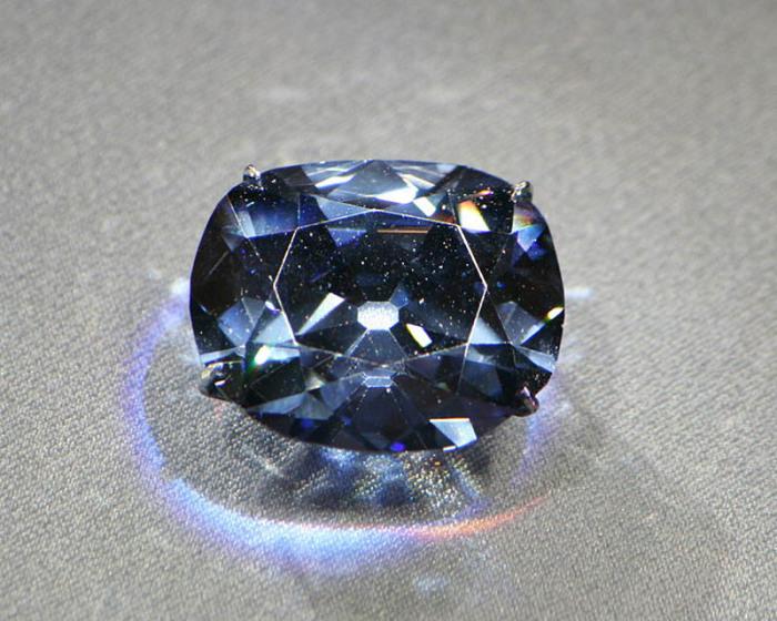 Алмаз Хоупа сформировался глубоко внутри Земли примерно 1,1 миллиарда лет назад