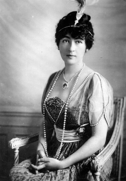 Эвелин Уолш Маклин - американская светская львица и последняя владелеца алмаза Хоупа
