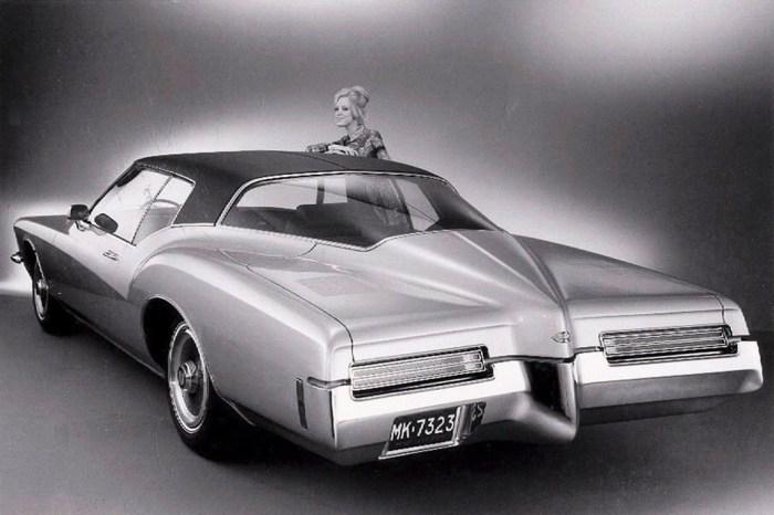 Buick Riviera – тоже автомобиль-амфибия.