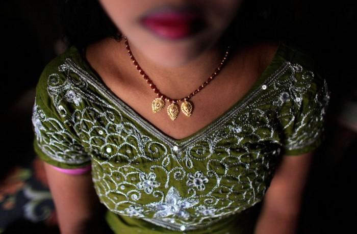 Подростковые бардели - обычная практика в Бангладеш.