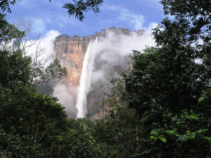 Водопад Токервилль.