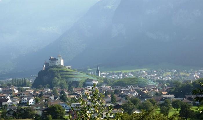 Лихтенштейн - крохотная страна с высоким уровнем жизни.