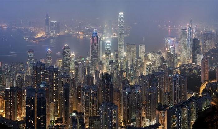 Густонаселённый Гонконг.