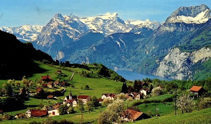 Швейцария - одна из богаейших стран мира.