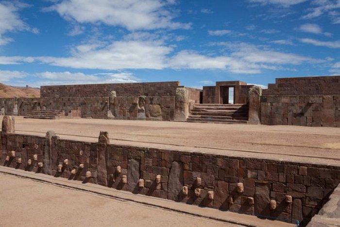 Доисторическая столица культуры Тиуанако.
