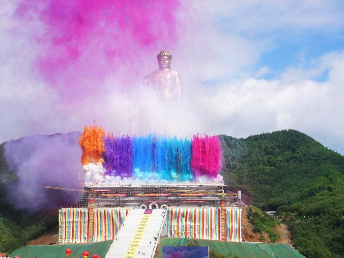 Будда Весеннего Храма - самая высокая статуя на планете.