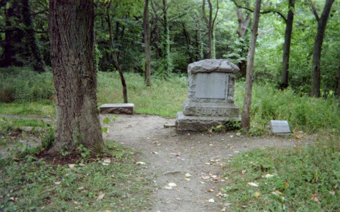 Bachelor's Grove - кладбище, кишащее призраками.