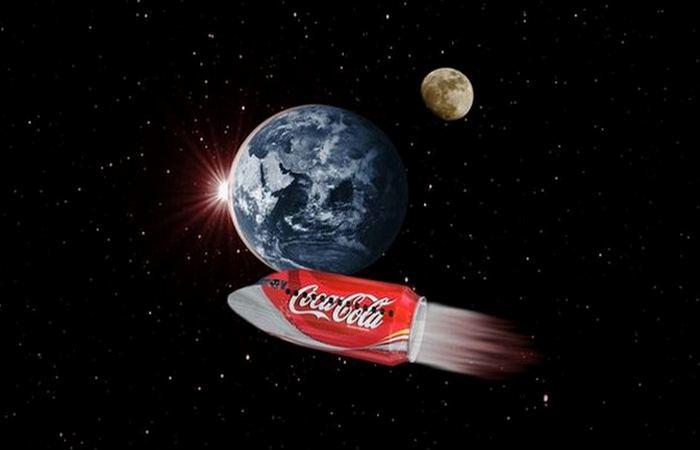 Удивительный факт о Coca-Cola: «Лунная дорожка» х 2000.
