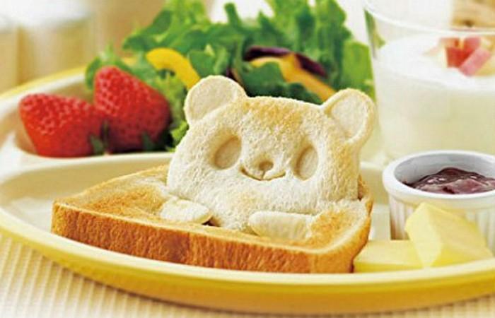 Кухонная утварь: формочка для тостов.