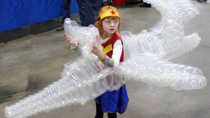 Невидимый самолет для маленькой девочки