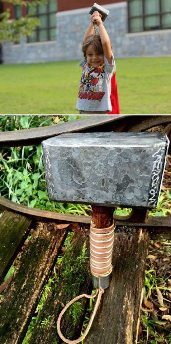Реплика молота Тора для четырехлетнего ребенка.