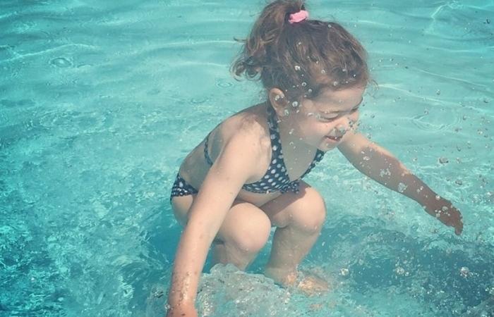 Фотозагадка: девочка под водой или нет?