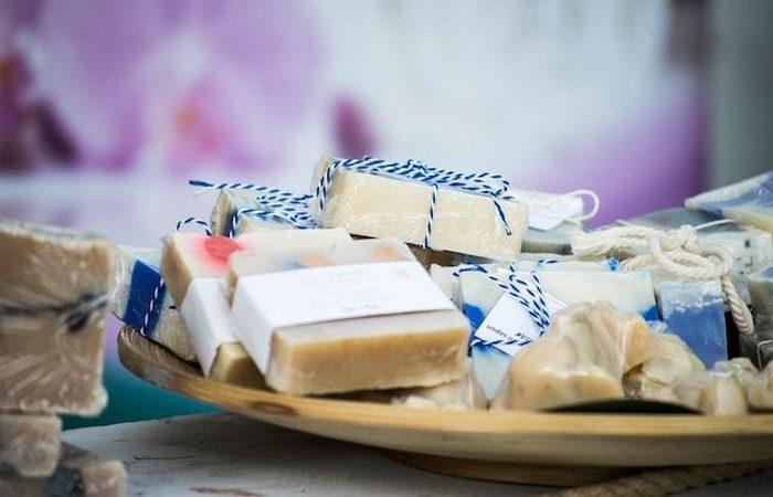 Бредовый метод похудения: смывание жира с помощью мыла.