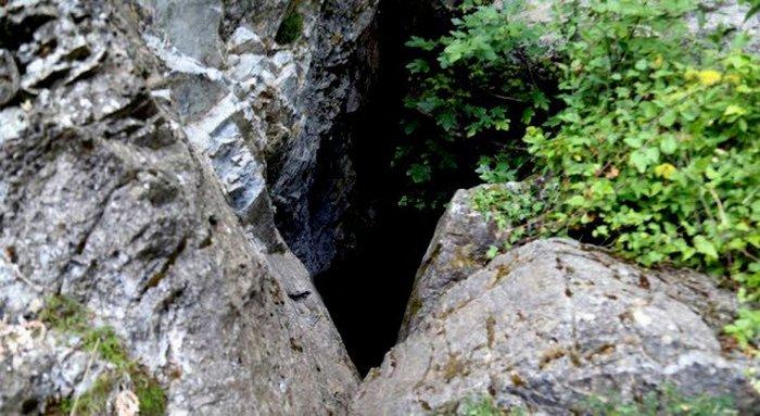 У подножия горы Тайгет погибли тысячи младенцев.