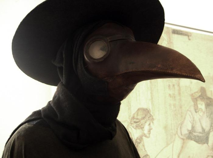 «Чумный костюмом».