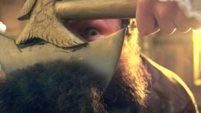 Как Пётр I бороды рубил.