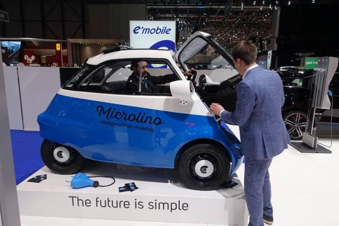 Microlino EV - самый маленький электрокар Женевского салона.