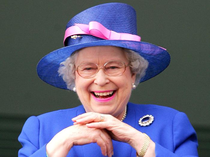 Королева Елизавета II - ловец летучих мышей